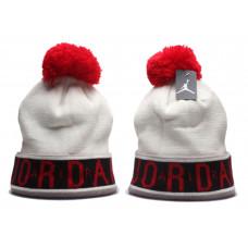 Шапка Air Jordan біла з червоним балабоном