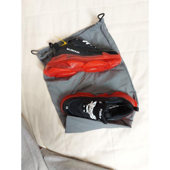 Модные кроссовки Balenciaga Triple S Black Red