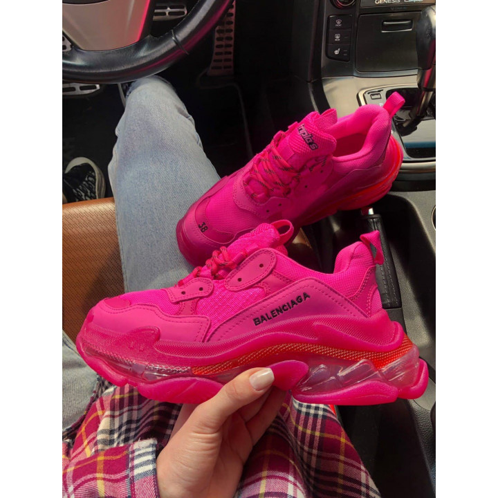 Модные кроссовки Balenciaga Triple S рожеві