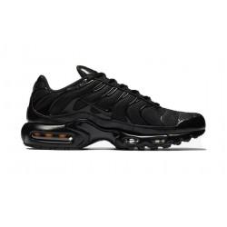 Кроссовки Nike Air Max Plus Triple Black TN