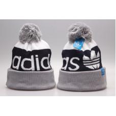 Шапка Adidas с балабоном серым