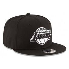 Кепка с прямым козырьком Lakers Черная с белым
