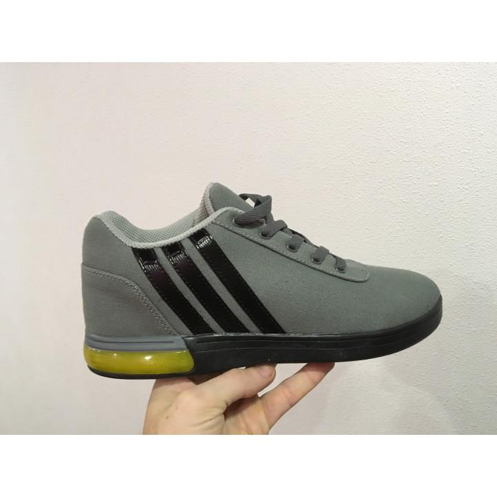 Кроссовки Adidas, высокие