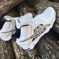 Новые кроссовки New Balance белые 27.5см стелька