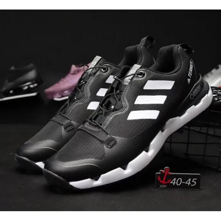 Кроссовки Adidas, terrex 375 goretex черные с белым