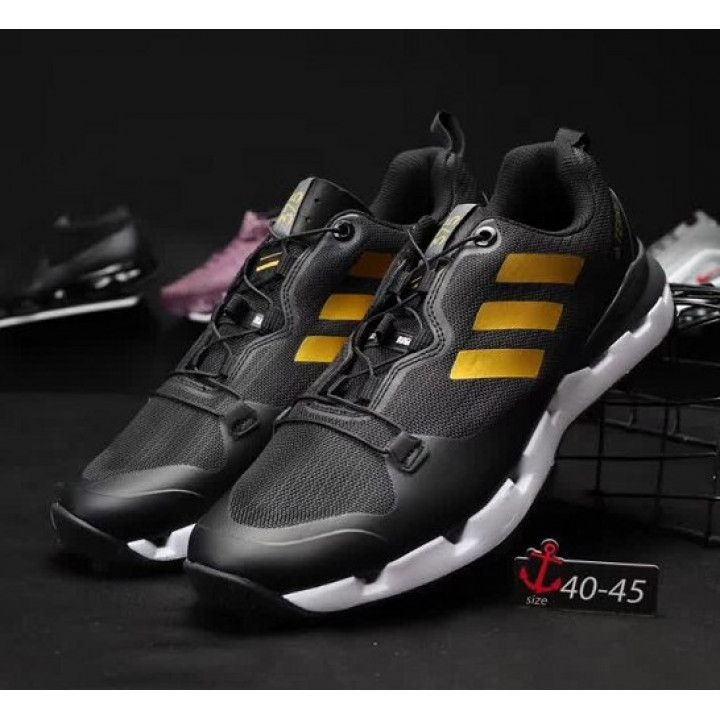 Кроссовки Adidas, terrex 375 goretex черные с золотым