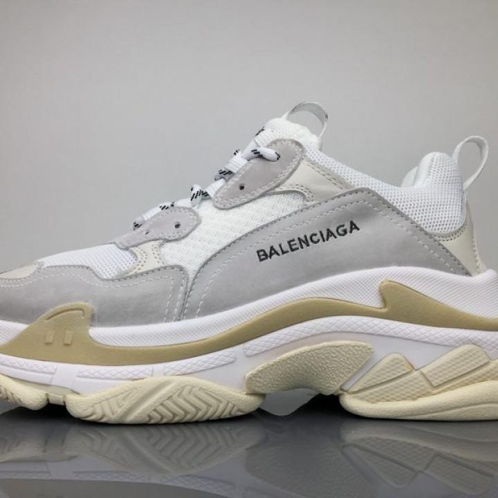 Модные кроссовки Balenciaga Triple с серым