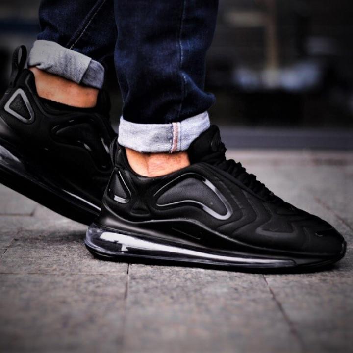 Nike Air Max 720 черные в наличии