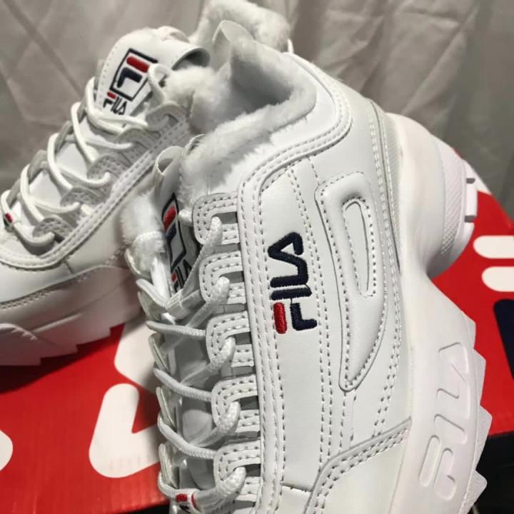 Кроссовки Fila Disruptor белые утепленные